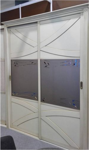 Классический шкаф купе с эксклюзивным декором Химки