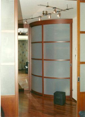 Радиусные двери на верхнем подвесе Химки