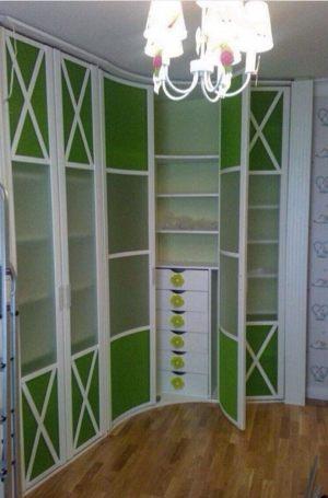 Распашная радиусная дверь Химки